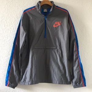 Men Nike Windbreaker jacket size L LIKE NEW